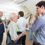 Angeregte Diskussionen über Altersgrenzen hinweg