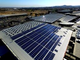 Die Solaranlage auf Namibias größtem Einkaufszentrum hat eine Leistung von 2,816 Megawatt.